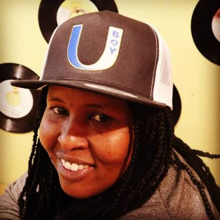 Stay smiling and stylin in #u_boy_apparel  #uboy #novascotia #maritime #eastcoastlifestyle⚓️ #hats #apparel #womanstyle #unisex